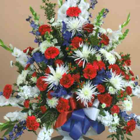 VETERANS VASE ARRANGEMENT - Click Image to Close