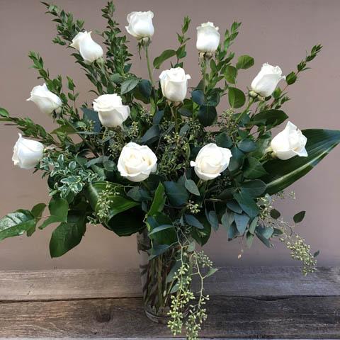 Dozen white roses fa7354 9000 portland florist flower dozen white roses mightylinksfo